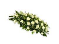 Траурный ритуальный венок из живых цветов на гроб